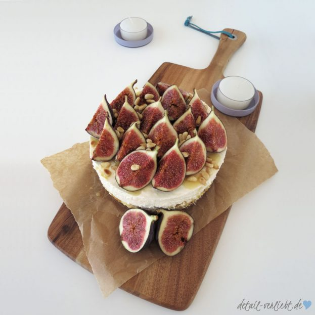 detail-verliebt-de-torte-mit-feigen