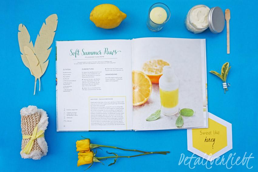 www.detail-verliebt.de: Naturkosmetik für den Sommer: Ein Buch mit tollen DIY Rezepten für ein kühlendes Körperspray, Beach Wave Haarspay, Fußpflegeprodukte und vieles mehr.