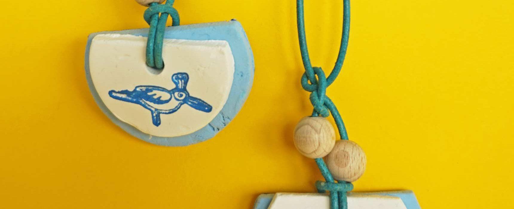 www.detail-verliebt.de: Einfacher Aromaschmuck selber machen geht ganz einfach und braucht wenig Materialien. Einfache Anleitung für modernen DIY Duft Anhänger selber machen.